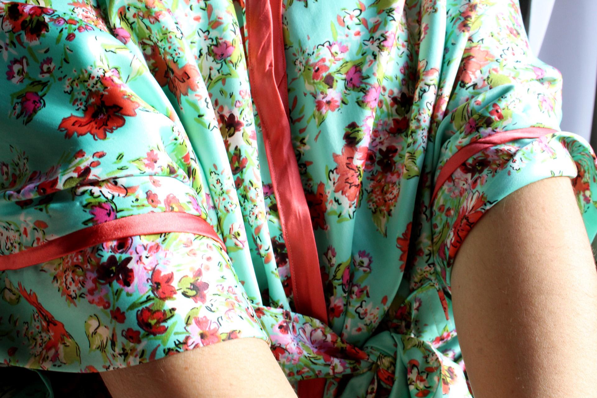 Ukulele love with Seamwork's Almada Robe | @vintageontap