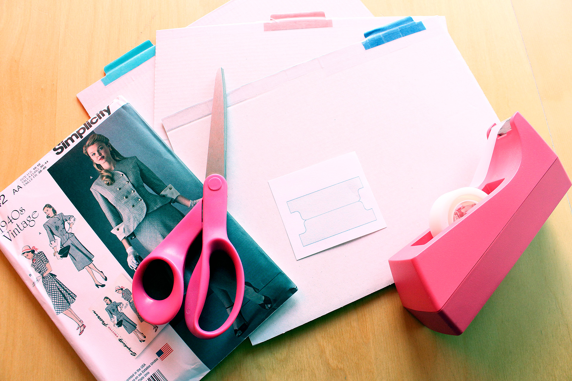 Organizing your Sewing Patterns, tutorial | @vintageontap