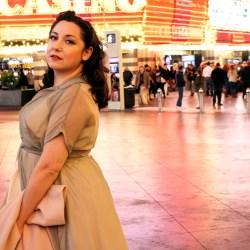 Pinup girl in Las Vegas, Simplicity 8252 | @vintageontap