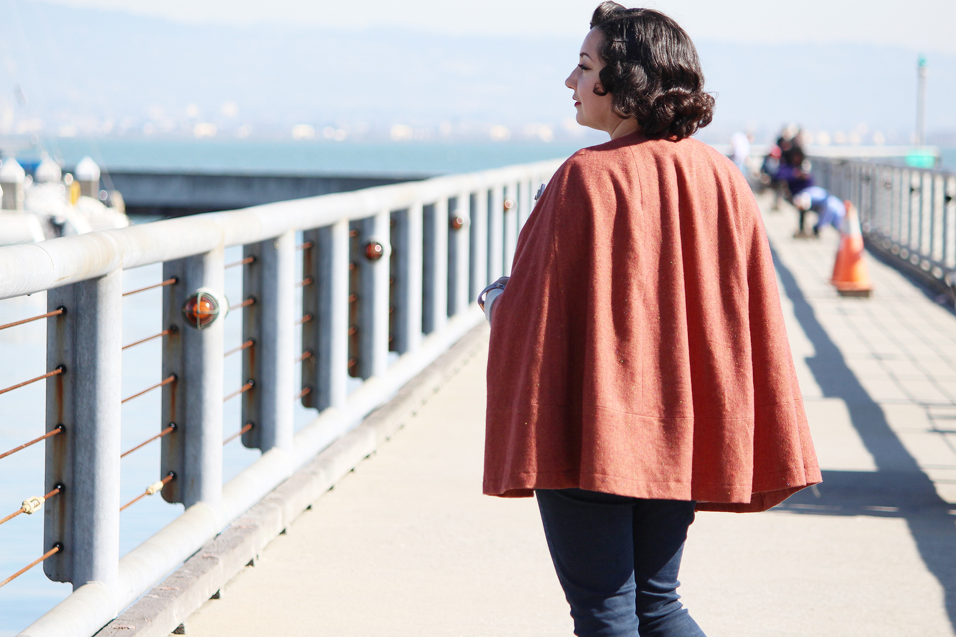Back view of the Seamwork Camden cape, a gorgeous vintage cape you can make at home | Vintage on Tap