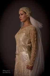 1920s wedding dress and veil photo