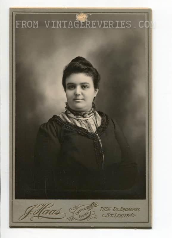 1900 black dress plain girl