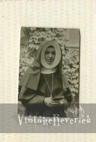 1930s nun picture