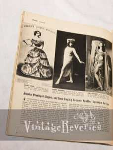 Sexy opera singers