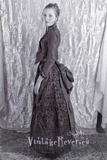 1880s side view of a bustle dress