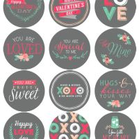 Round Valentine Labels {freebies}