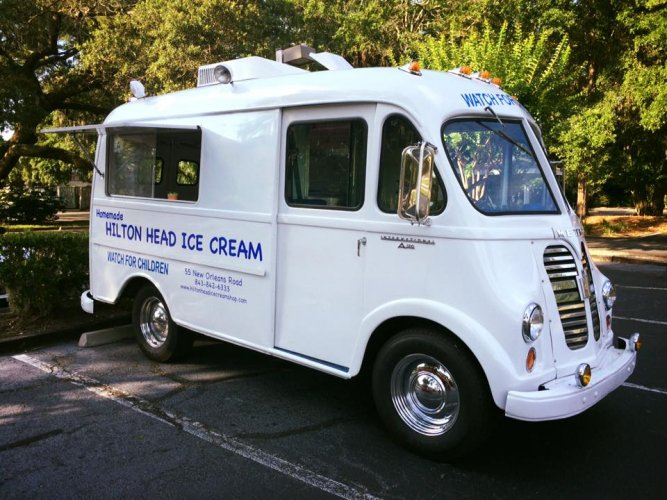 1961 IH Metro - Hilton Head Ice Cream