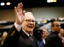 Warren Buffett Waving - Vintage Value Investing