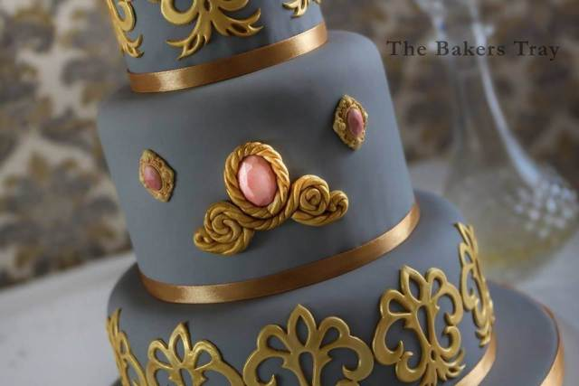 vintage cake from The Bakers Tray at the National Vintage Wedding Fair