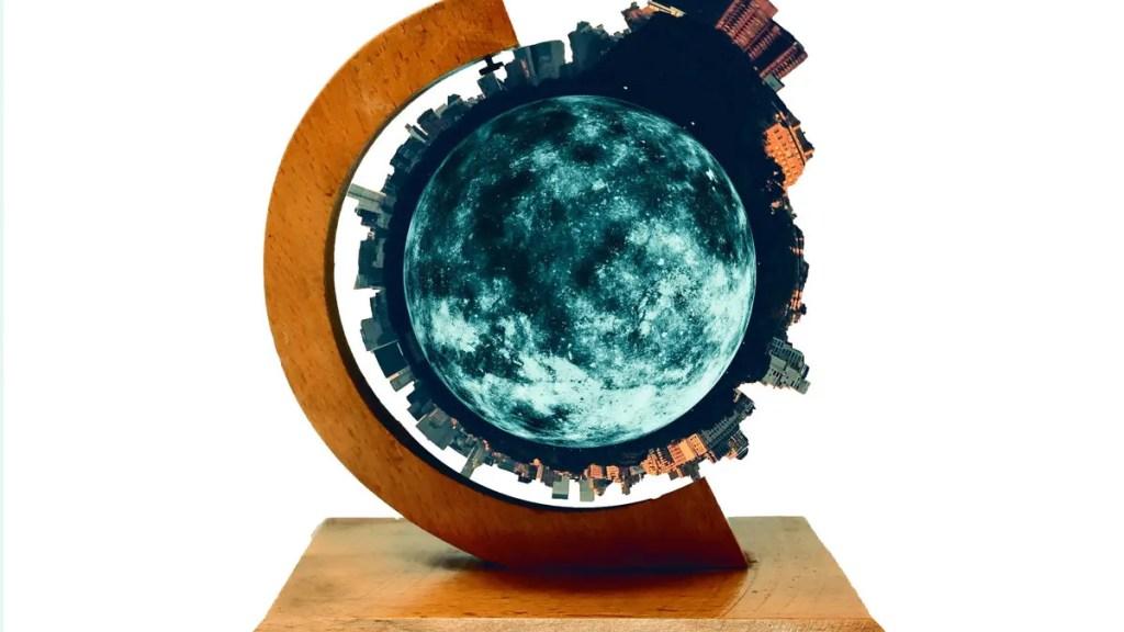 CoachMotel - The Tiny Planet