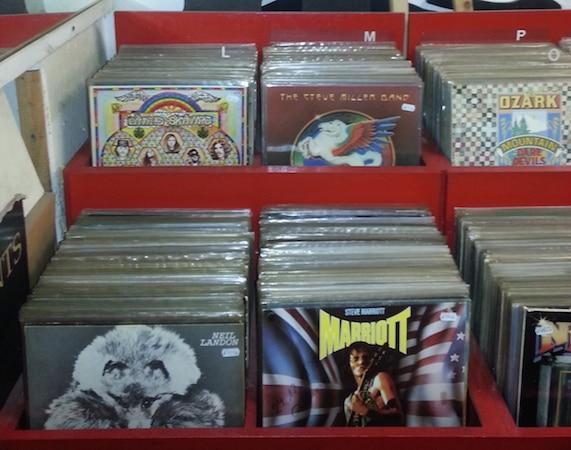 Johnny Marr kritisiert Niedergang des Plattenladens