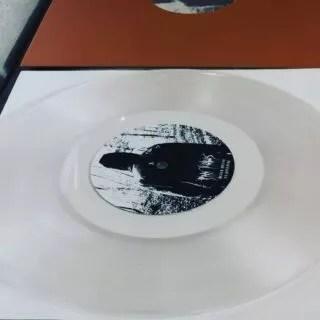 """PAN KUBUŚ - Black Metal na Pianinie. Piękne granie. Jak nazwa wskazuje mamy do czynienia z black metalem i pianinem. Wycinka @vinylove.me, wydanie @plytowa_gielda_koszalin. 10"""" black i transparent clear.  #blackmetal #pianocover #piano #black #metal #pankubuś #10inch #vinyl #record #lathecut #lathecutvinyl #lathecutrecords #shortrunvinyl #vinyloveme #lovepiano #koszalin"""