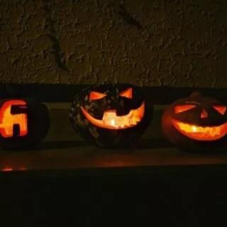 Cut cut cut... Jack-o'-lanterns are coming 😉  #jackolantern #halloween #pumpkin #head #nghtmre #cut #cutted #vinyloveme
