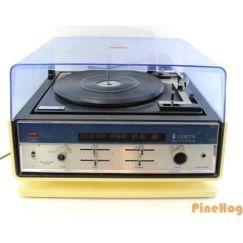 Vintage Zenith Allegro Solid State Radio Turntable Record Player E586 Blue White / Photo: Pine Hog