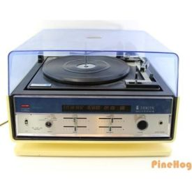 Vintage Zenith Allegro Solid State Radio Turntable Record Player E586 Blue White / Photo: Pine Hog