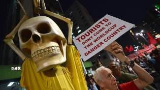 FBL-BRAZIL-WC-2014-PROTEST
