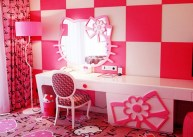 2014-Hello-Kitty-Bedroom-1024x731