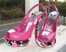 BARBIE-HELLO-KITTY-SKULL-SHOES