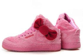 Reebok-Hello-Kitty-Shoes-With-Red-Bow-Pink-Fluffy-Cute