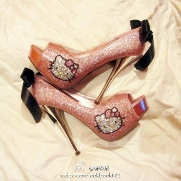 hello-kitty-pick-color-high-heels-shoes