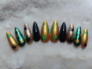 Pot Leaf Press on Nails