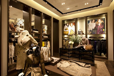 Burberry's simplicity in Visual merchandising (5/5)