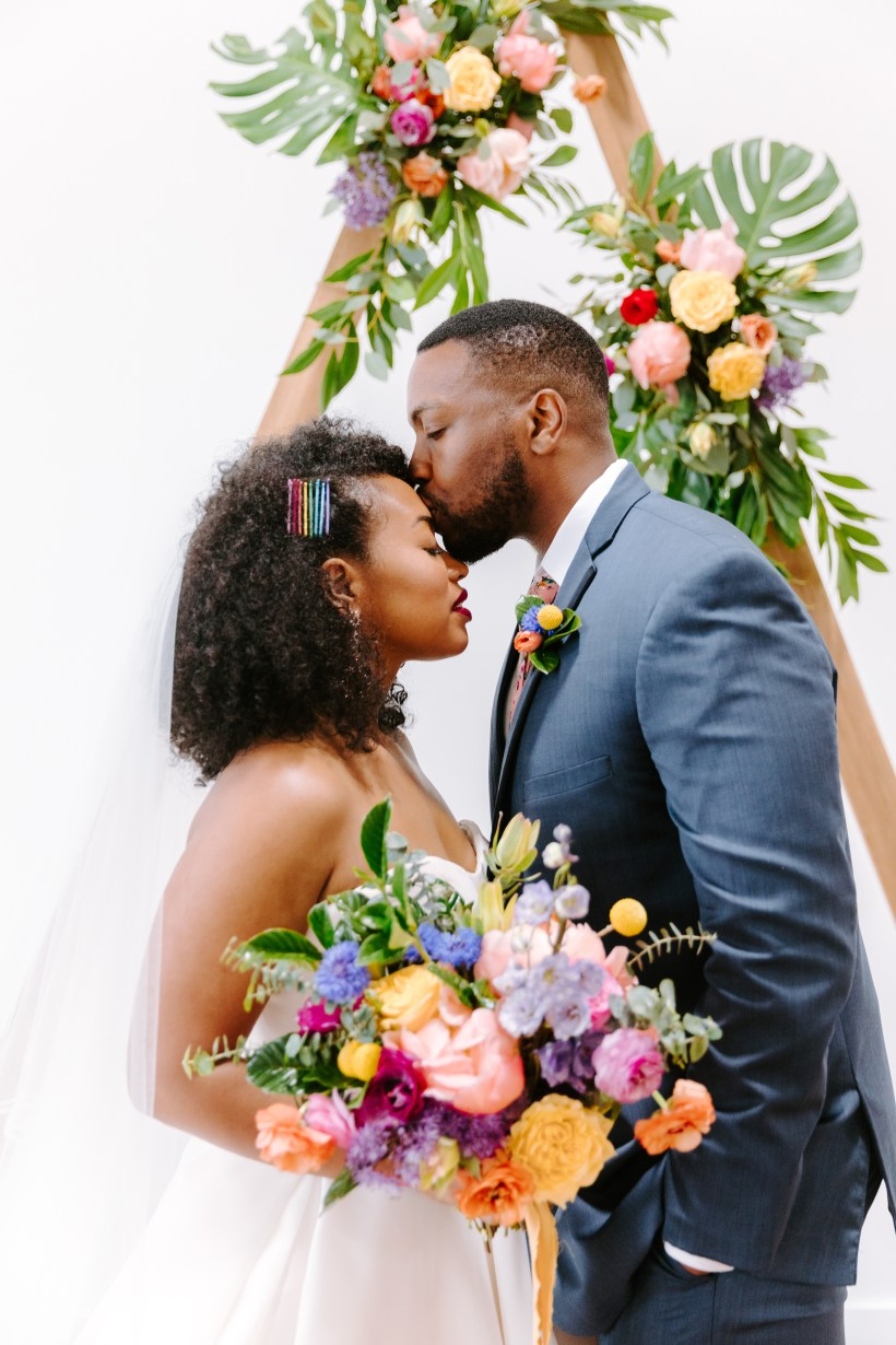 Haven Street Ballroom Wedding, Alicia Wiley Photography, Baltimore Wedding Florist, Violet Floral Designs, Spring Wedding Flowers Maryland
