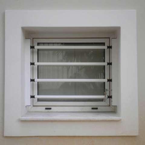 Instalación exterior de barras de seguridad extraíbles Viometaloumin.