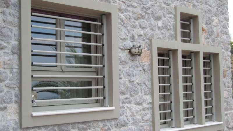 Αφαιρούμενες Μπάρες Ασφαλείας σε Παράθυρα σε μονοκατοικία στον Άγ. Στέφανο