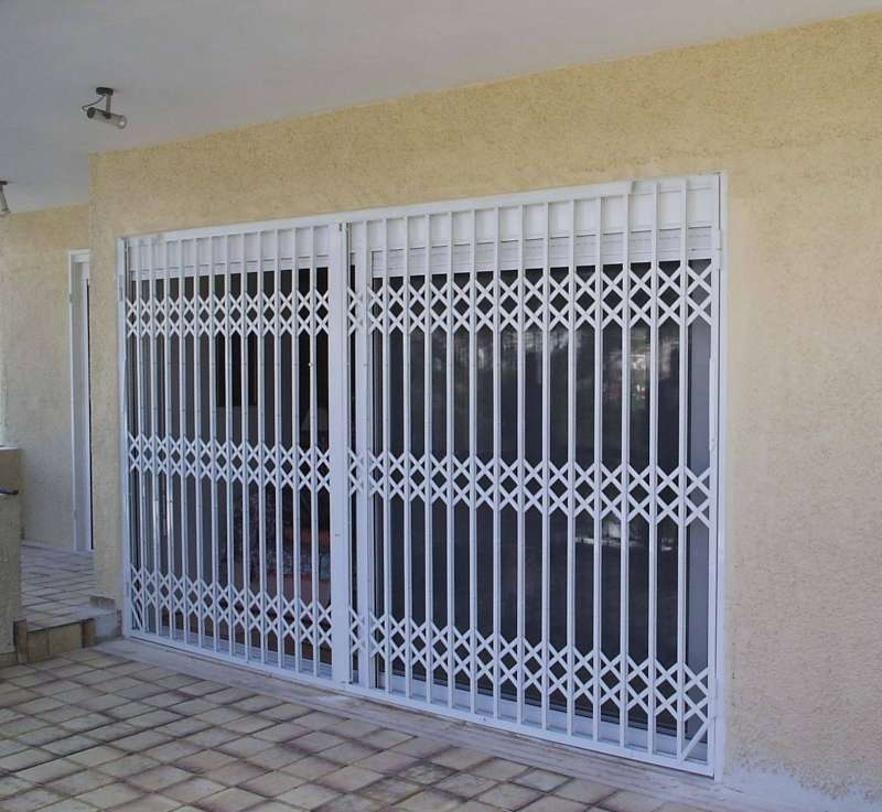 Συρόμενες πόρτες ασφαλείας