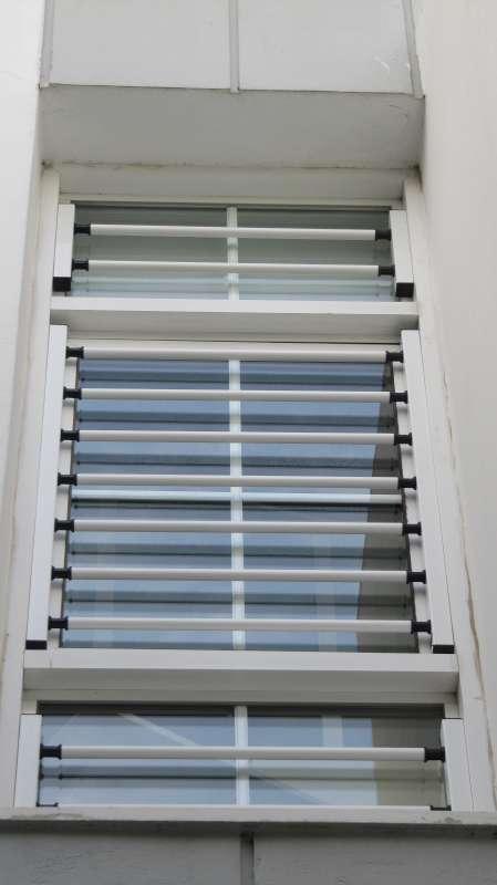 Πτυσσόμενο παράθυρο ασφαλείας με INOX μεταλλικά στοιχεία Τ-120