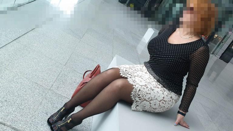 Sofia Diplom-Ingenieurin und Escort Deluxe in Hilton Frankfurt Airport Hotel mit ihren schönen großen Brüsten und sexy Hintern
