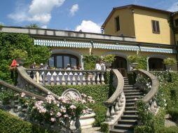 Blick von der Terrasse zum Hotel Il Borro