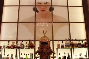 Die Lichfield Bar mit imposanten Bildern des berühmten Londoner Fotografen