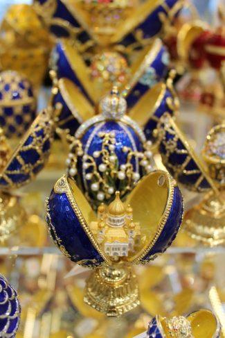 Beliebtes Souvenir: Fabergé-inspirierte Schmuck-Eier
