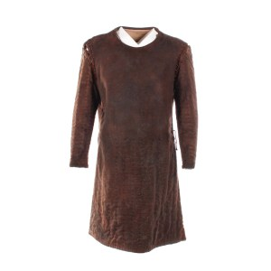 Lot #166 – Vikings Ragnar Travis Fimmel Screen Worn Tunic Ep 410