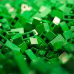 Lego se mută în plasticul de cânepă