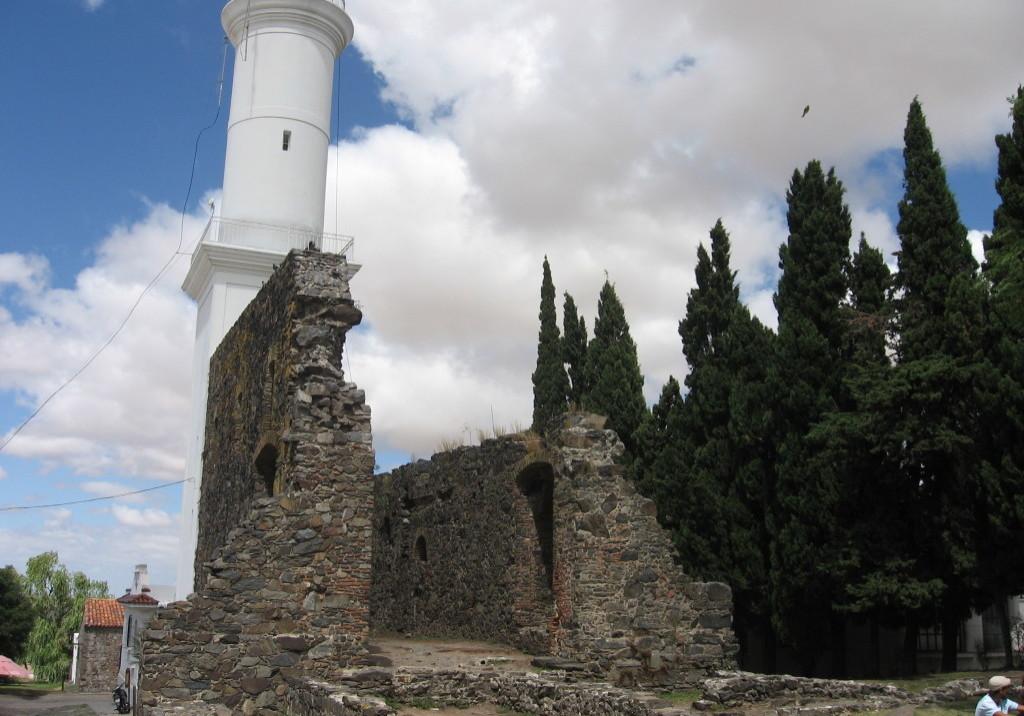 faro-ruinas-convento-san-francisco-colonia-sacramento