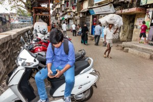 Chinese apps are losing their hold on India to local developers – TechCrunch