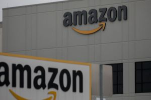 """Culture of workplace fear"" leads to COVID-19 spread at Amazon, suit says"