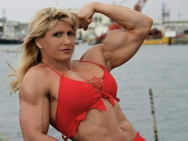 Top 10 Famous Female Bodybuilders in the World 2020 1