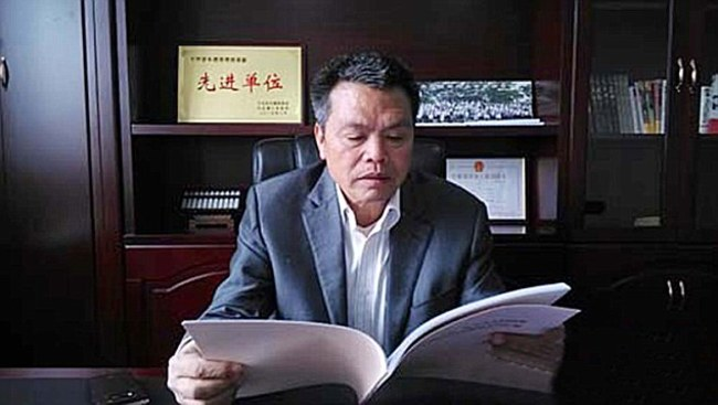 54-Year-Old Chinese Millionaire Gives Back To His Village, Turned