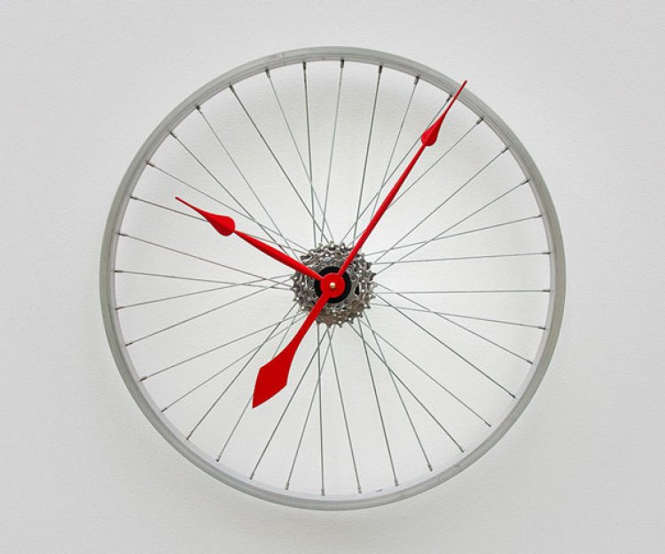8. Bike Wheel Turned Into Clock