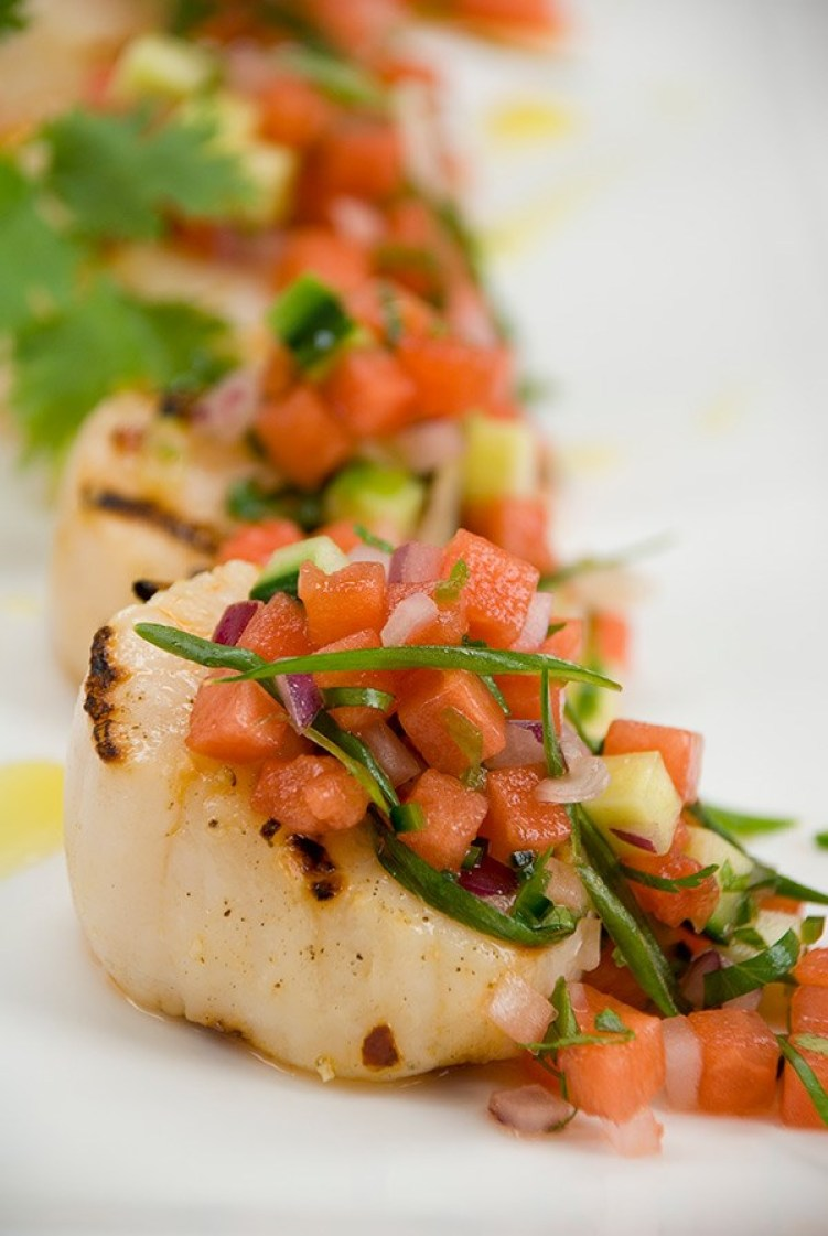 10-grilled-scallops-with-watermelon-salsa