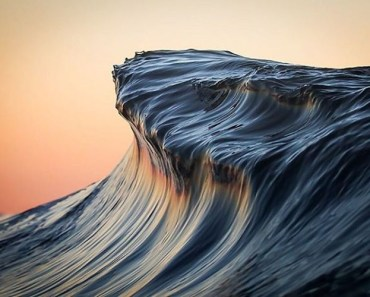 Breathtaking Wave Photos By Lloyd Meudell