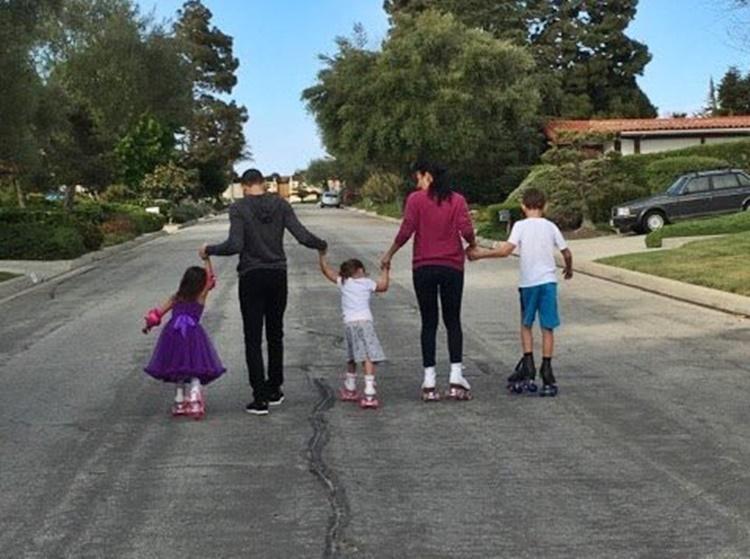 Chester and Talinda Bennington with kids