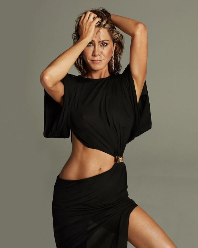 Jennifer Aniston's Photoshoot On Her 51st Birthday And It Goes Viral