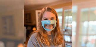 21 Y.O. Student Makes Face Masks For The Deaf And Hard Of Hearing (6)