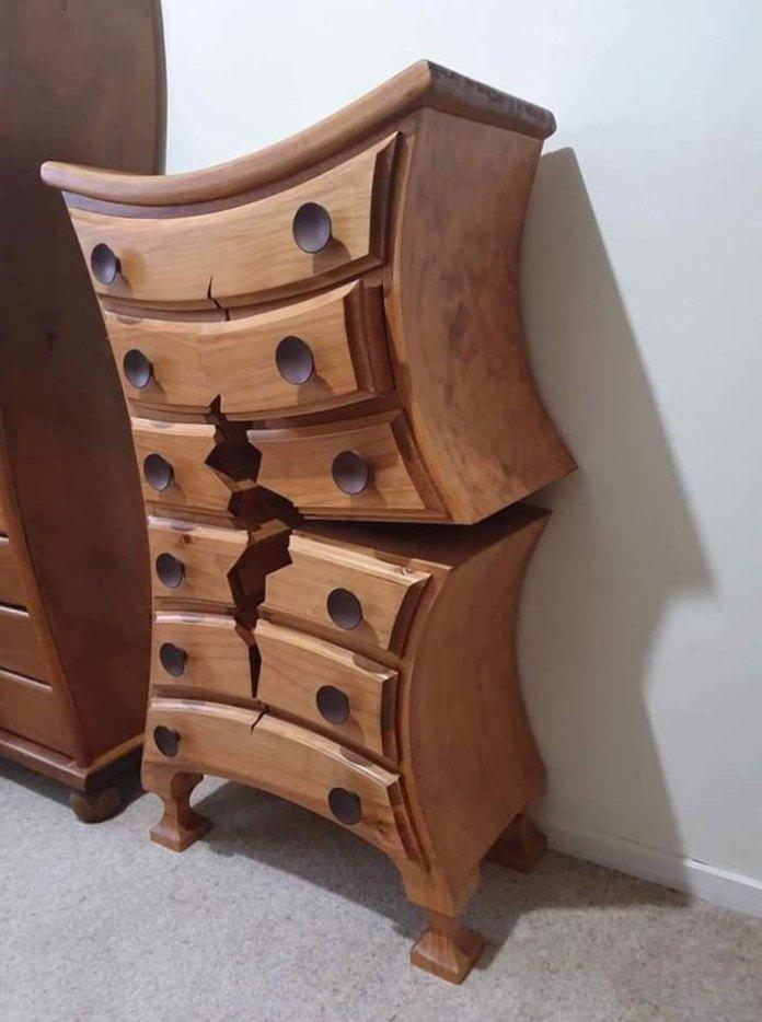 """Woodworker Crafts Amazing """"Broken"""" Furniture That Looks Like It Belongs in a CartoonWoodworker Crafts Amazing """"Broken"""" Furniture That Looks Like It Belongs in a Cartoon"""