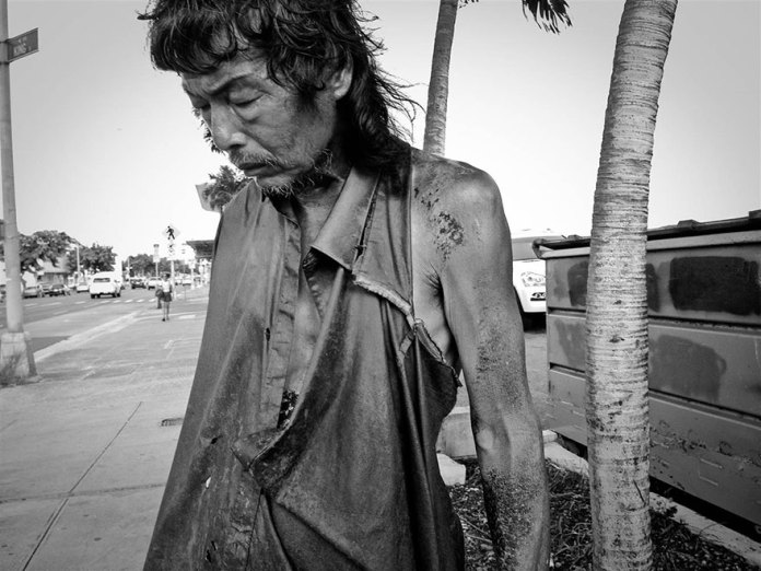 After 10 Years Of Photographing Homeless People, Photographer Discovers Her Own Father Among Them